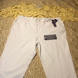 NWT, Amanda fit Capri's, front & back pockets,